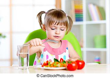 食べること, 野菜, 健康, 食べる, 子供, 新たに, 女の子, 子供