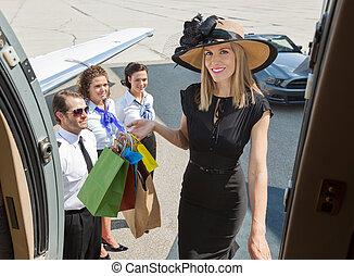 食宿, 袋子, 妇女购物, 喷射, 私人, 富有, 微笑