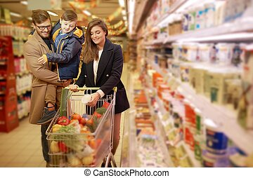 食料雑貨品店, 若い 家族