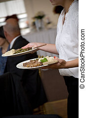 食物, ウエーター, サービスされた, ある, 結婚式