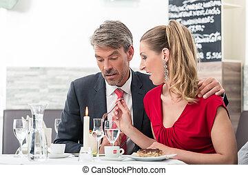 食物, 恋人, 一緒に食べること