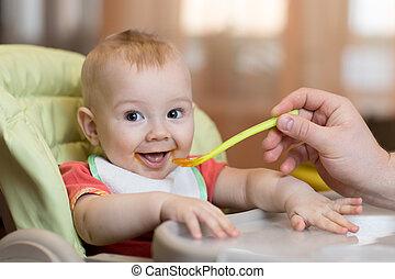 食物, 父, 食べること, 助け, 赤ん坊