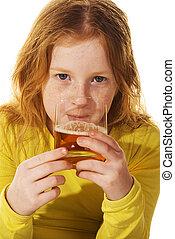 飲むこと, アルコール, 子供