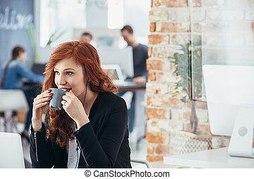 飲むこと, 女, コーヒー