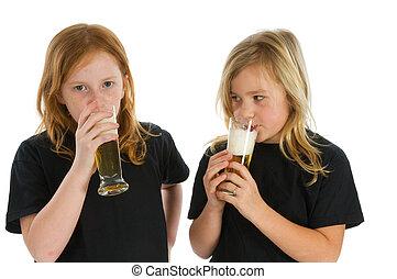 飲むこと, 子供, アルコール
