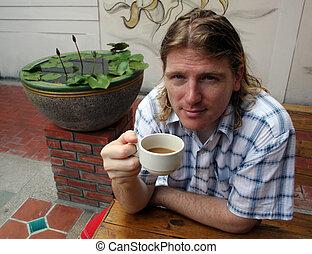 飲む コーヒー, 人