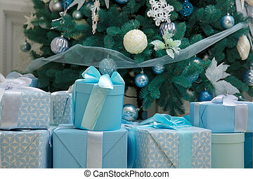 飾られる, クリスマスツリー, ∥で∥, 青, 贈り物