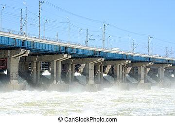 駅, 水力電気