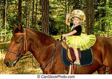 騎馬, 很少, 馬, 女孩, 森林