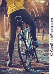 骑车者, 山地自行车, 森林, 摆脱