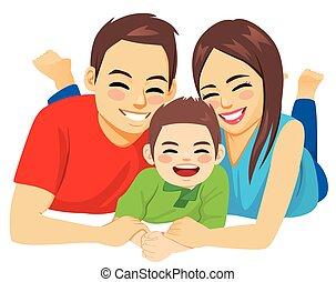 高兴的家庭, 躺, 地板