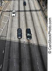 高的角度, 高速公路, 看法
