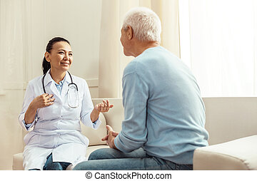 高興, 積極, 護士, 的談話, 她, 病人