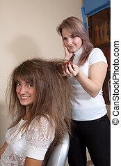 髪サロン, 女性