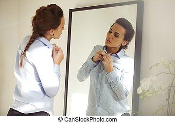 魅力的, 女, 身に着けていること, ワイシャツ