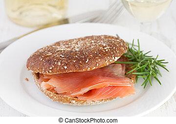 鮭, 塩を振られた, bread