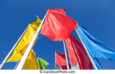 鮮艷, 旗, 上, 藍色的天空, 背景