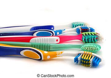 鮮艷, 牙刷