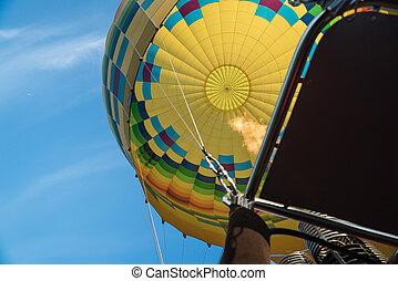 黃色, 熱的空氣汽球, 裡面