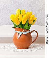 黃色, 鬱金香, 在, 花瓶, 由于, 藍色, 弓