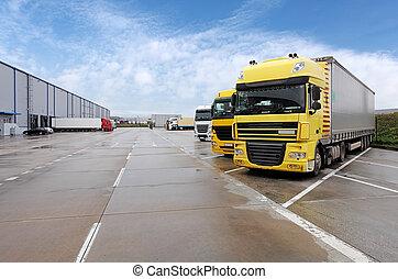 黄色, トラック, 中に, 倉庫