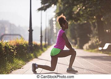 黑人婦女, 做, 預熱, 以及, 伸展