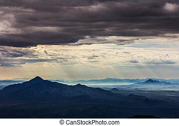 黑暗, 山, 在上方, 天空