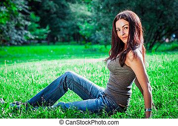 黑發淺黑膚色女子, 青少年的 女孩, 上, 自然