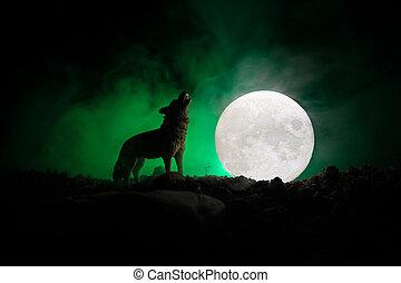 黑色半面畫像, ......的, 嚎叫, 狼, 針對, 黑暗, 帶上某种調子, 有霧, 背景, 以及, 滿月, 或者, 狼, 在, 黑色半面畫像, 嚎叫, 到, the, 充分, moon., 万圣節, 恐怖, concept.