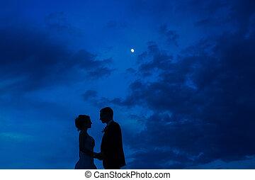 黑色半面畫像, ......的, the, newlyweds, 針對, the, 天空, 在, sunset., 婚禮, 我