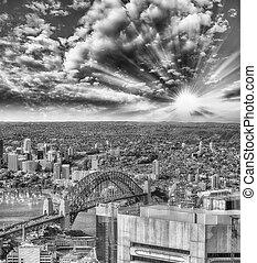 黒い、そして白い, シドニーの空中写真, オーストラリア