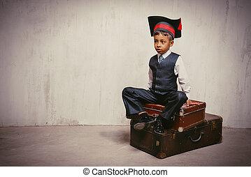 黒, 古い, 男の子, スーツケース, 帽子, 卒業, 座る, 小さい