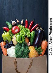 黒, 袋, テーブル。, 新たに, 木製である, 野菜