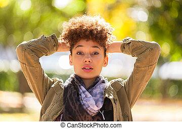 가을, 옥외, 초상, 의, 아름다운, african american, 젊은 숙녀, -, 검정, 사람