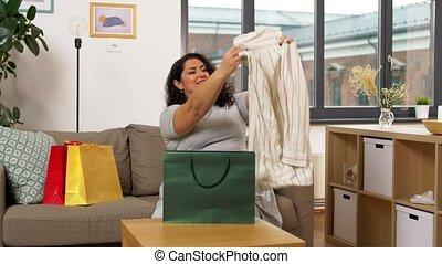 가정, 나이 적은 편의, 쇼핑 백, 여자, 행복하다