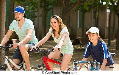 가족, 자전거를 타는 것, 공원안에