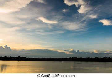 강, 에서, 타이