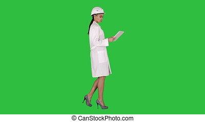 걷기, 여자, 약, 정제, chroma, 나이 적은 편의, 스크린, 복합어를 이루어 ...으로 보이는 사람, 물건, 녹색, key., 엔지니어