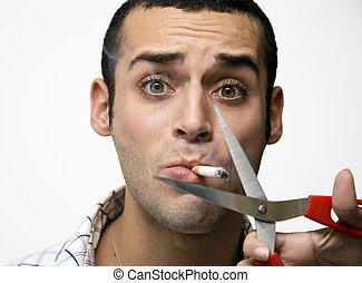 경질인, 흡연자