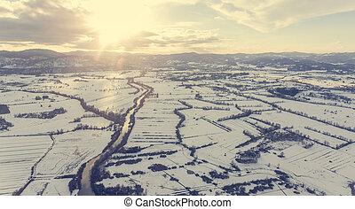 공중 전망, 의, 강, 흐르는 것, 완전히, 덮는눈, 시골, 에, sunset.