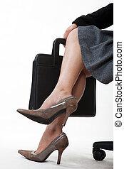 교차하는 다리, 의, a, 여자 실업가
