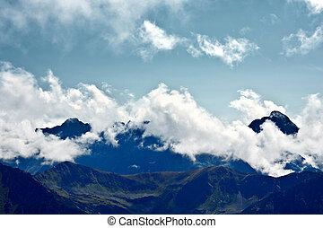 구름, 안개, 산.