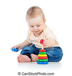 귀여운, 갓난 남자 아기, 노는 것, 와, 다채로운, 장난감, 고립된, 백색 위에서, backgr