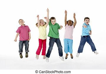 그룹, 의, 어린 아이들, 에서, 스튜디오