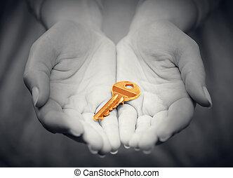 금 열쇠, 에서, 여성의 손, 에서, 몸짓, 의, giving., 개념, 의, 성공, 에서, 살고 있다, 사업, 해결, 부동산, etc.