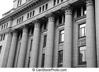 기둥, 재판소
