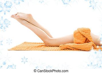 긴 다리, 의, 은 이완했다, 숙녀, 와, 오렌지, 타월