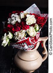 꽃다발, 장미, 나무로 되는 테이블