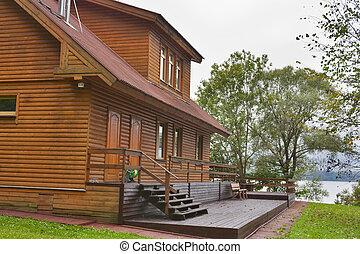 나라, 나무로 되는 집, 접하여, 호수