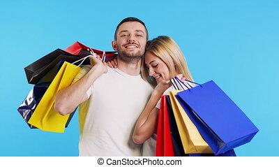 나이 적은 편의, 그들, 은 자루에 넣는다, 위의, 한 쌍, 보유, 쇼핑, 행복하다, 즐겁게 시간을 보내다...